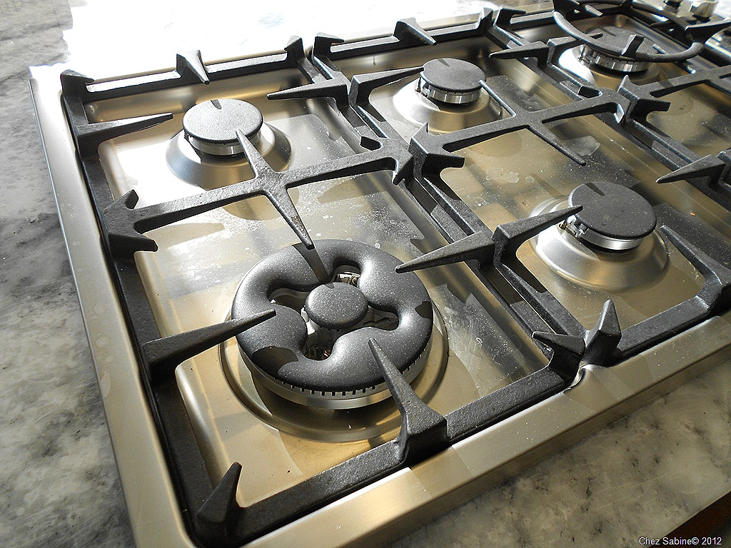 Clean that stainless steel stove top the easy breezy way How to clean top of oven