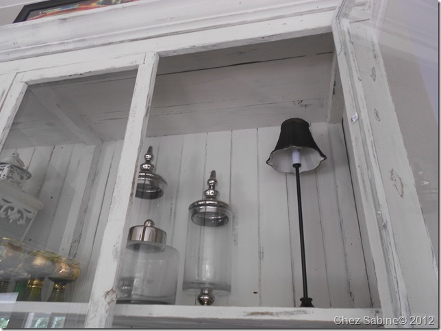 cabinet lamp 001