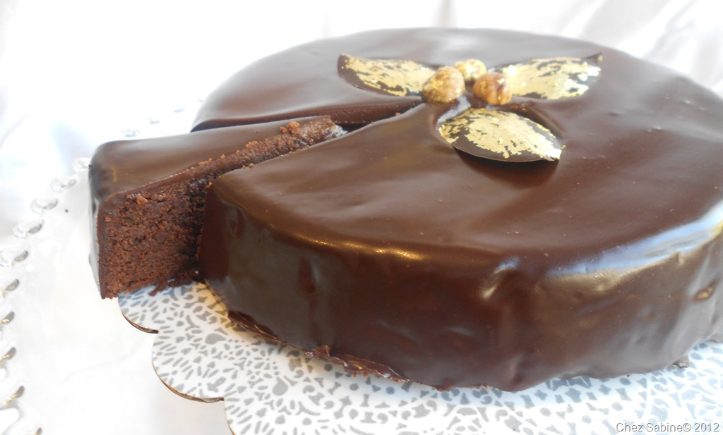 layer cake chocolate caramel layer cake glazed chocolate layer cake ...