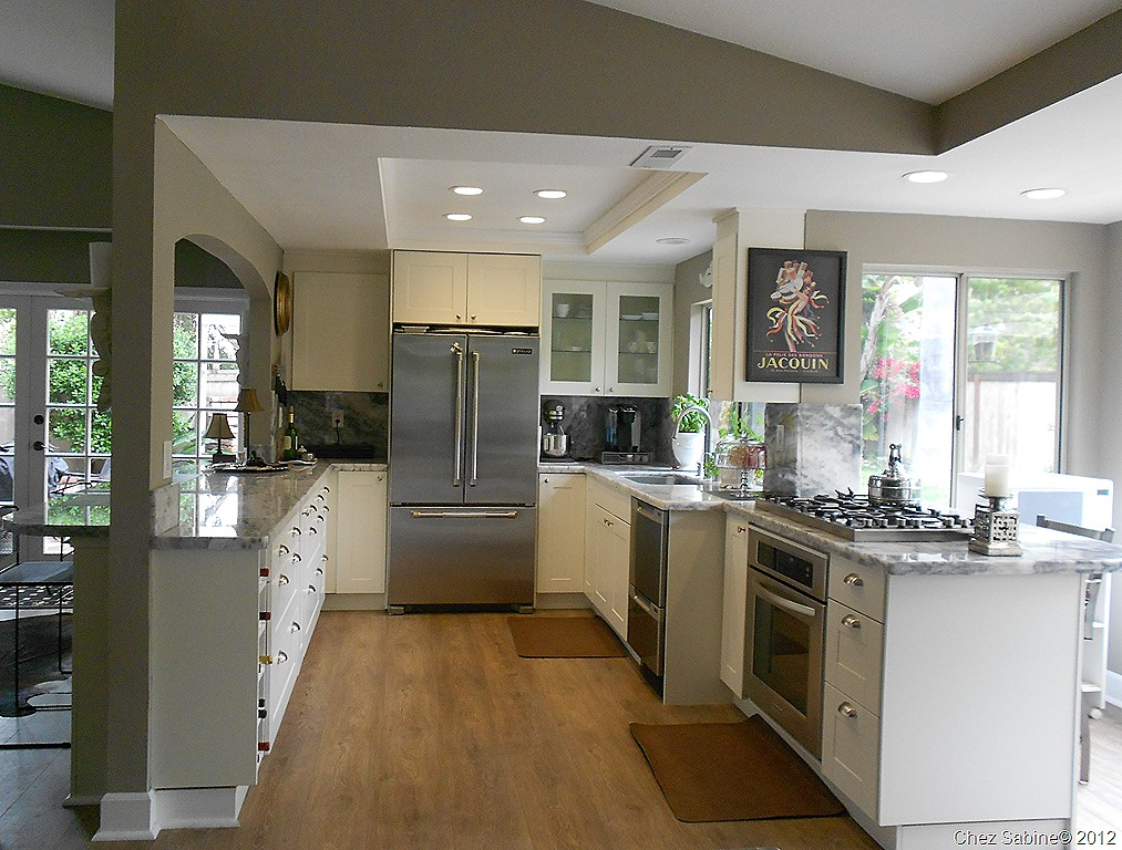 For the love of ikea 6 kitchens you should see chez sabine for Converting galley kitchen to open kitchen